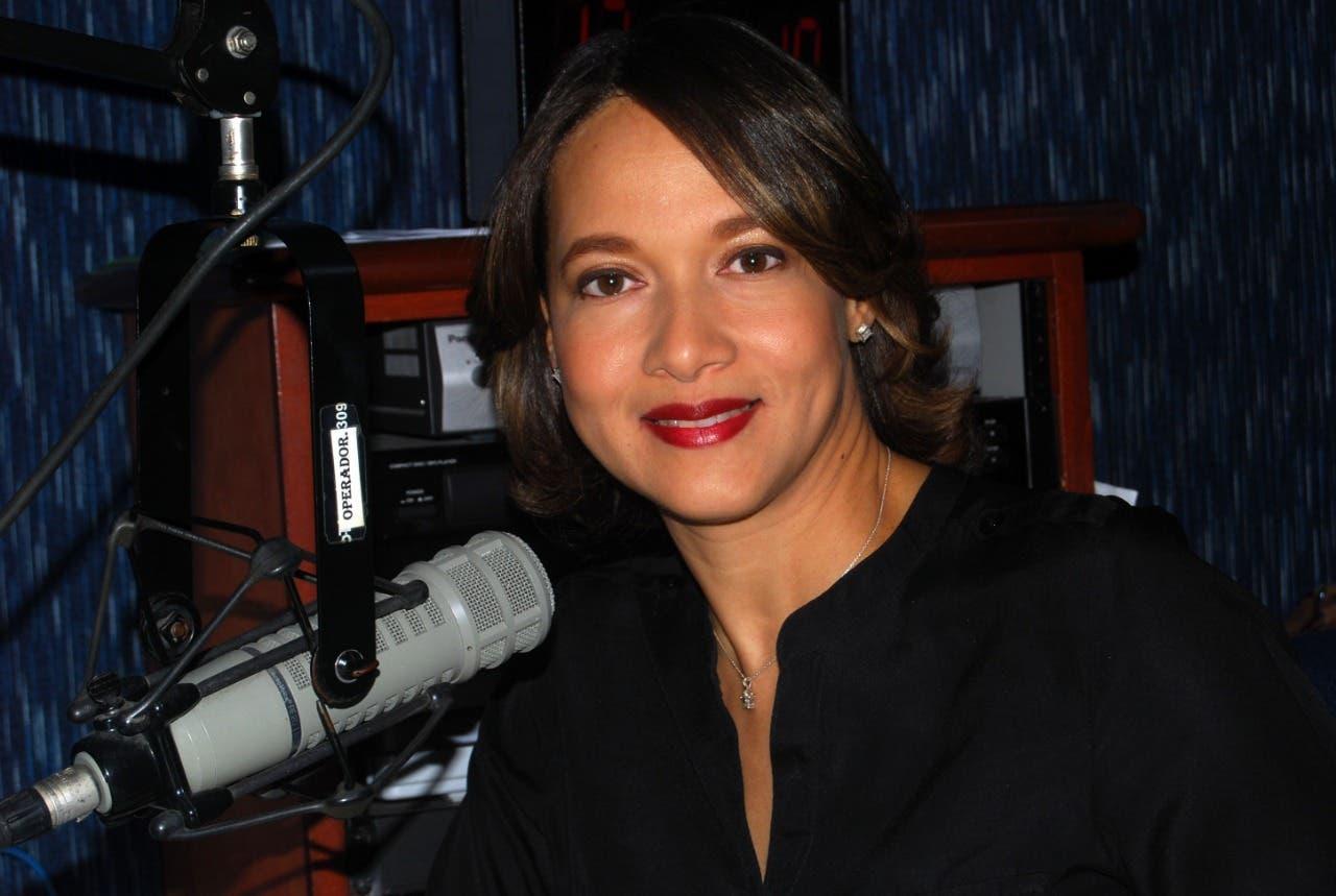 Día del Locutor Dominicano: la historia detrás del micrófono de Hencys Arias
