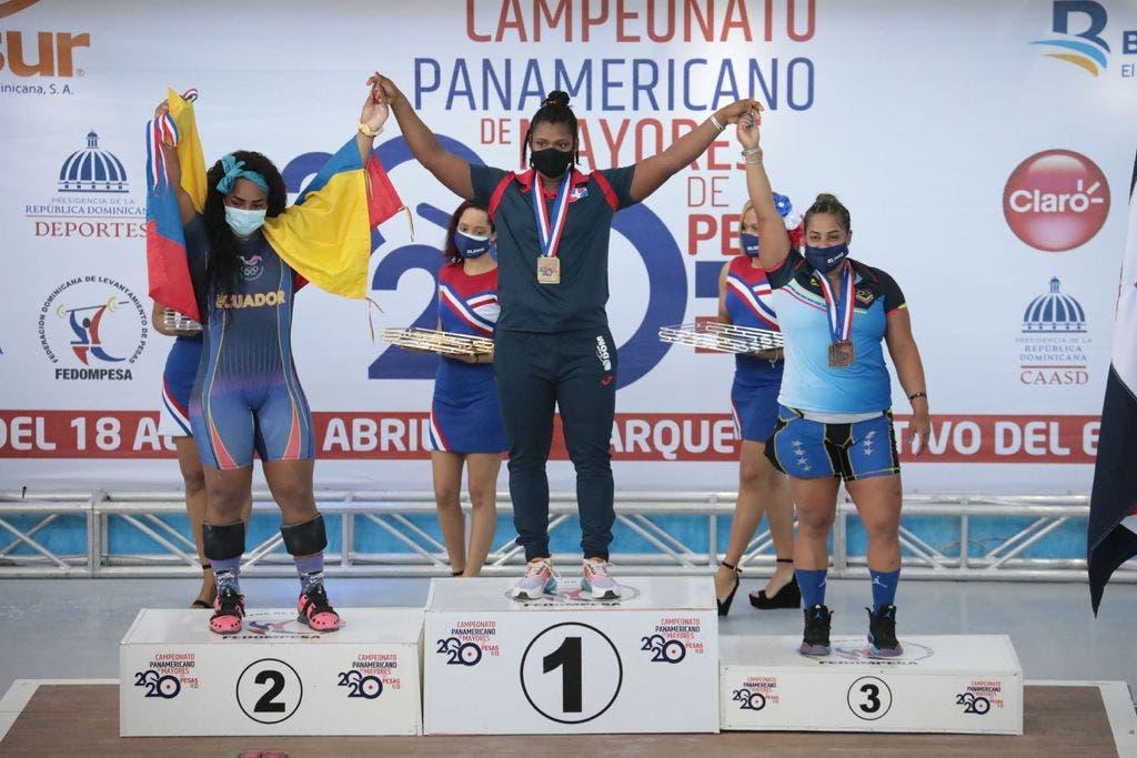Crismery Santana gana dos oros, una plata y récord en Panam de Pesas