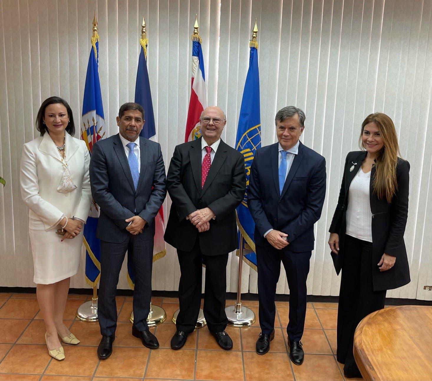 Hipólito Mejía nombrado Embajador de Buena Voluntad para el desarrollo agrícola