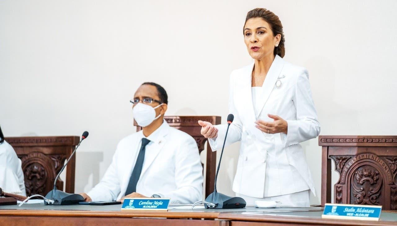 Alcaldesa DN anuncia proyecto para recuperar y acondicionar la Duarte con París