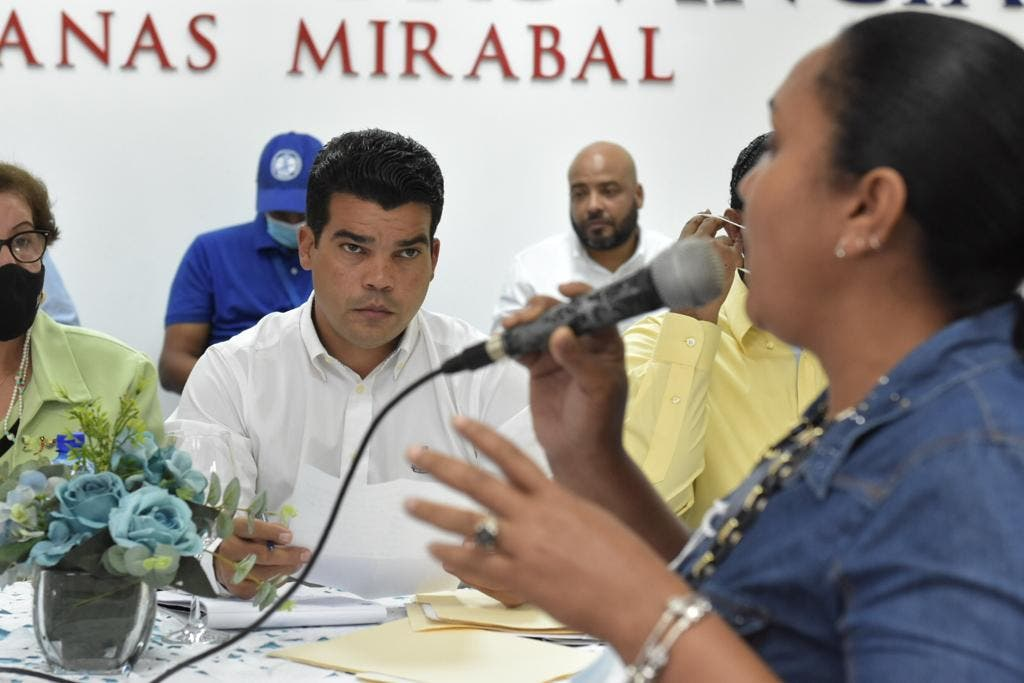 Arnaud garantiza servicio de agua potable en provincias Hermanas Mirabal y Duarte