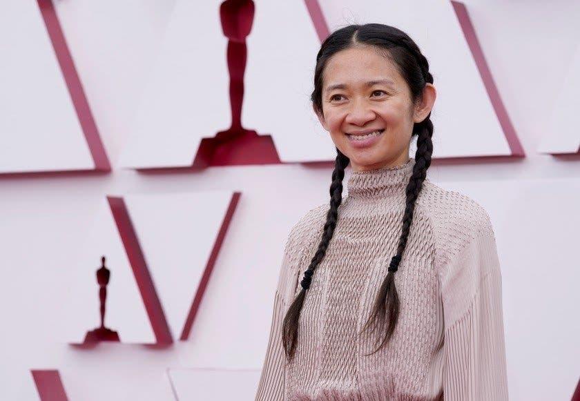 Chloé Zhao hace historia y gana el Óscar a la mejor dirección por «Nomadland»