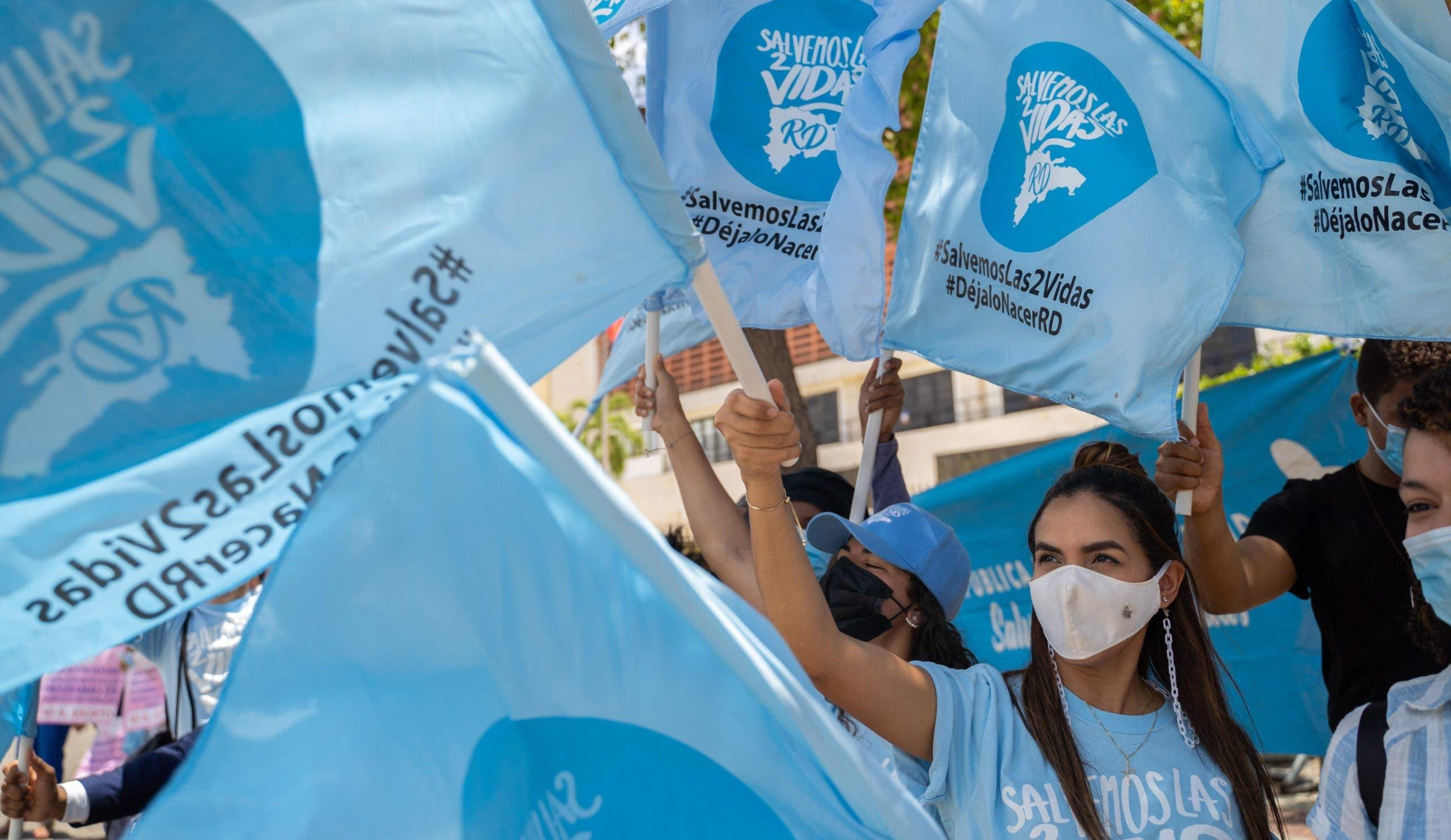 Activistas provida celebran aprobación de Código Penal sin tres causales