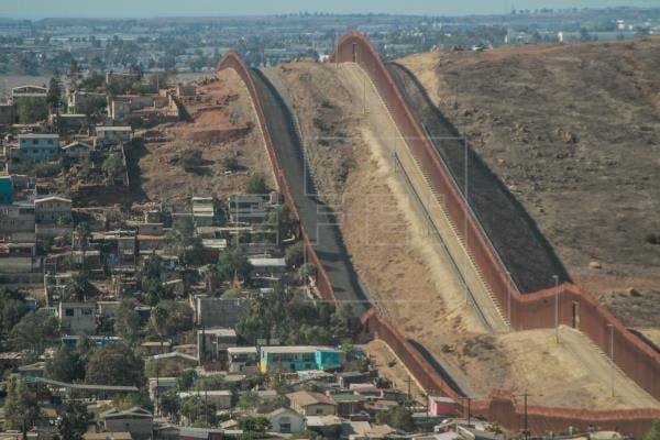 EEUU cancela los proyectos del muro y atenderá a las comunidades fronterizas