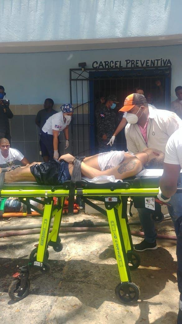 Incendio en cárcel de La Romana deja al menos un muerto y 23 reclusos afectados