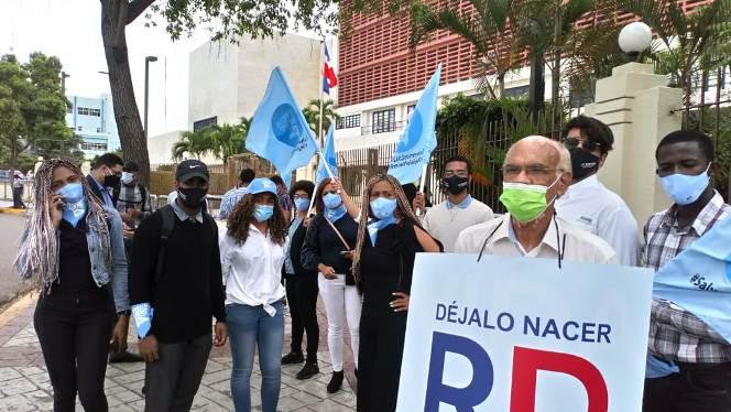 Aprobación de Código Penal peligra por oposición de 4 senadores, dicen grupos provida