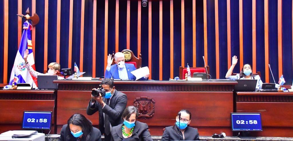 Mayoría de senadores no acudió a sesión donde se discutiría Código Penal