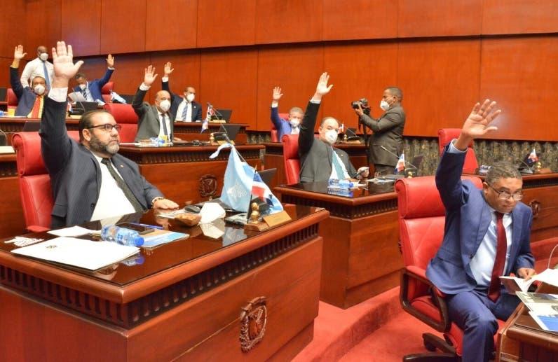 Senado elimina el impuesto para recibir pensiones