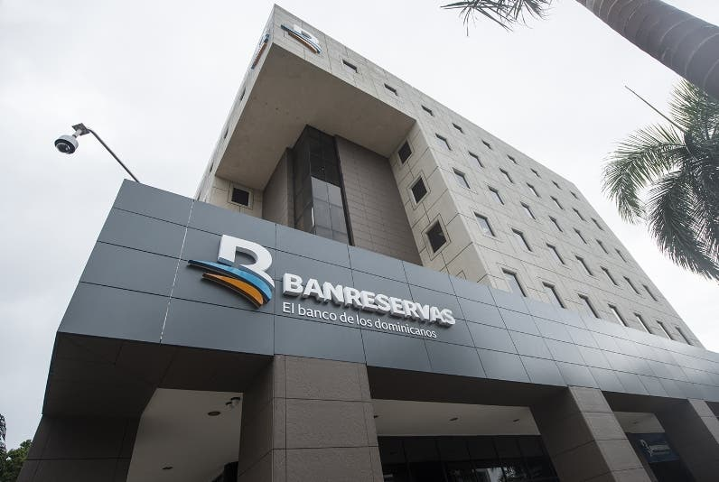 Banservas, entre 50 bancos más grandes de América Latina