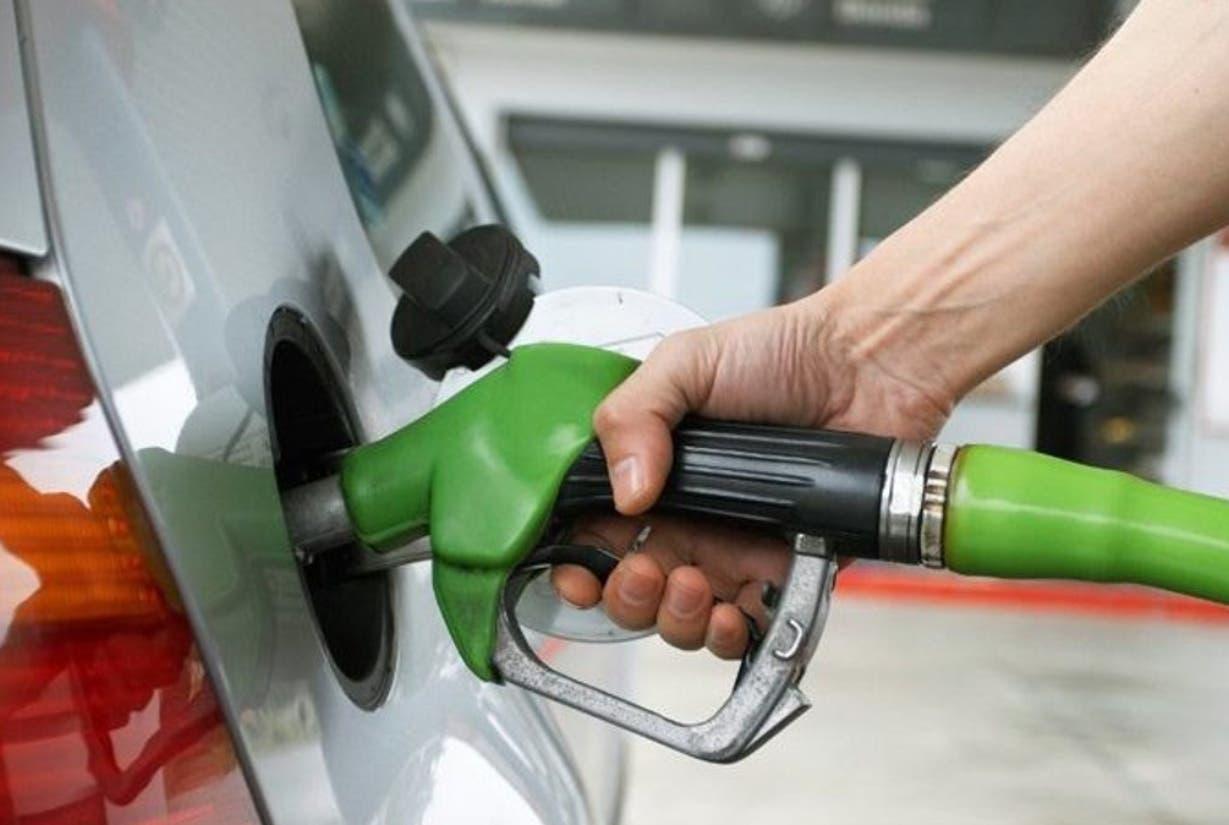 Los repuntes del crudo disparan combustibles
