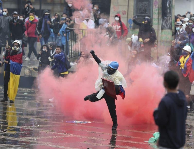 La protesta sigue en calles Colombia