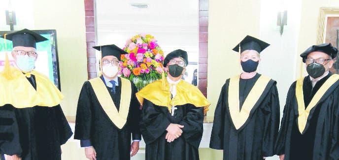 UCSD gradua 380 profesionales en Postgrado