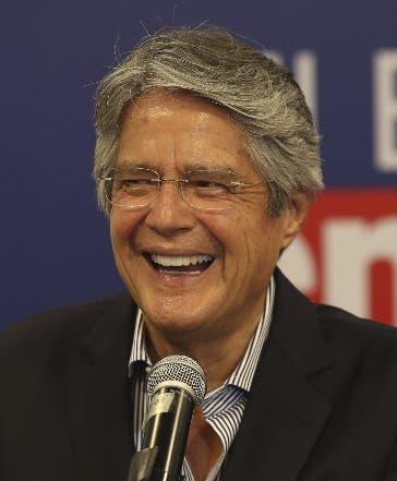 Guillermo Lasso asume en Ecuador y fortalecerá la democracia