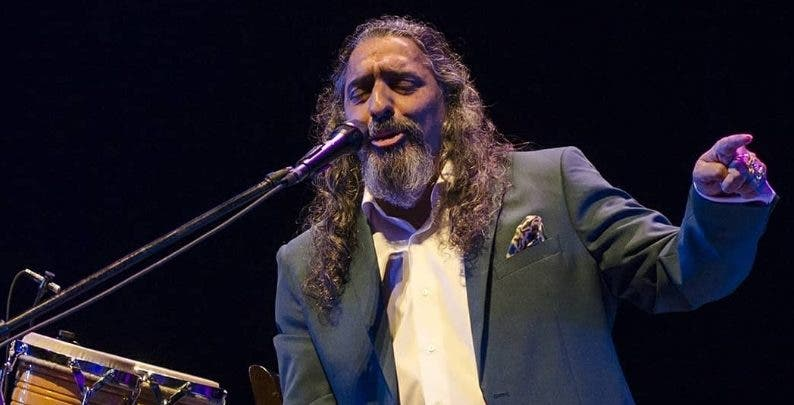 Diego El Cigala conquista con su voz en el Teatro Nacional