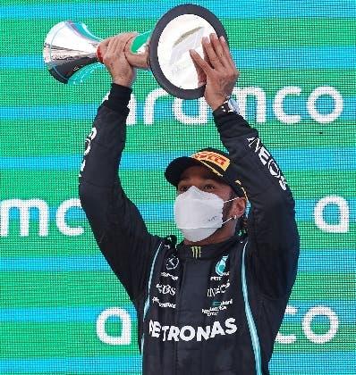 Lewis Hamilton sigue firme como el líder  de la F1