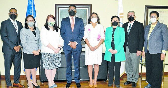 Cámara de Cuentas recibe visita  representante USAID
