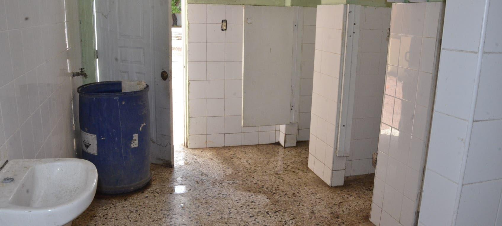 Educación dice remodelará escuelas y fija fecha para retorno a las aulas