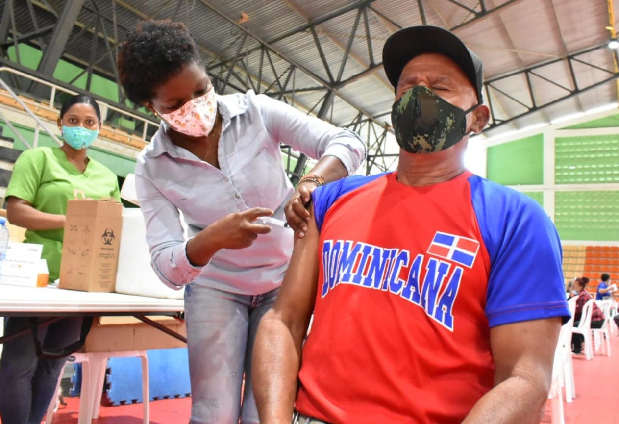 Casi dos millones han sido vacunados contra Covid-19