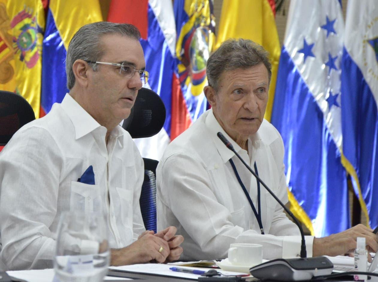 Luis Abinader plantea suspender sobrecargo de préstamos FMI