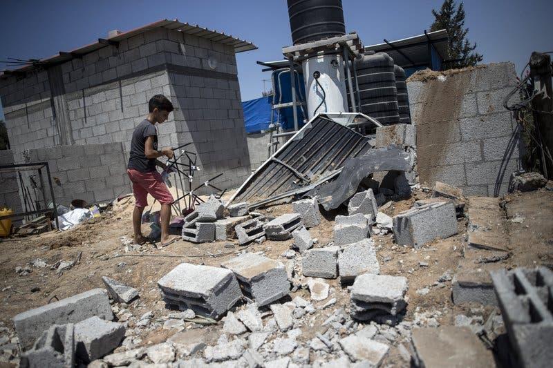 Israel cierra zona de pesca de Gaza tras lanzamiento de globos incendiarios