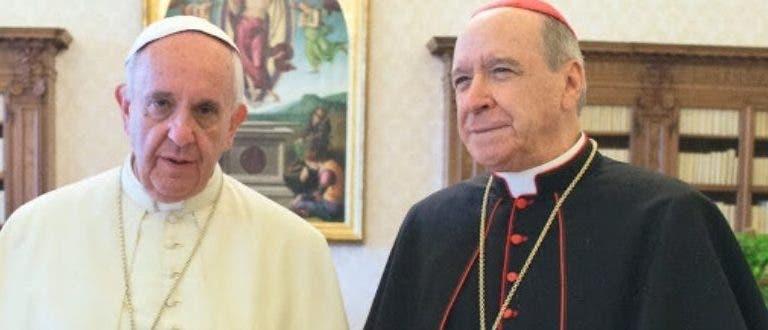 Papa felicita al Cardenal por su sacerdocio
