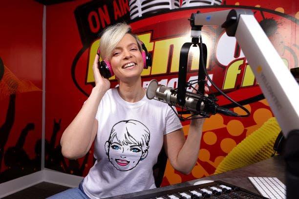 Yelitza Lora deja RD y llega a la radio de Estados Unidos