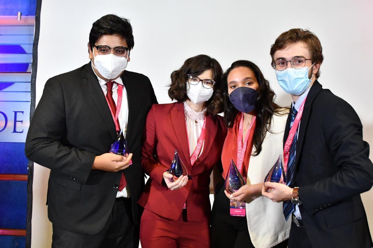 Estudiantes del INTEC se alzan con primer lugar de Hult Prize Regional