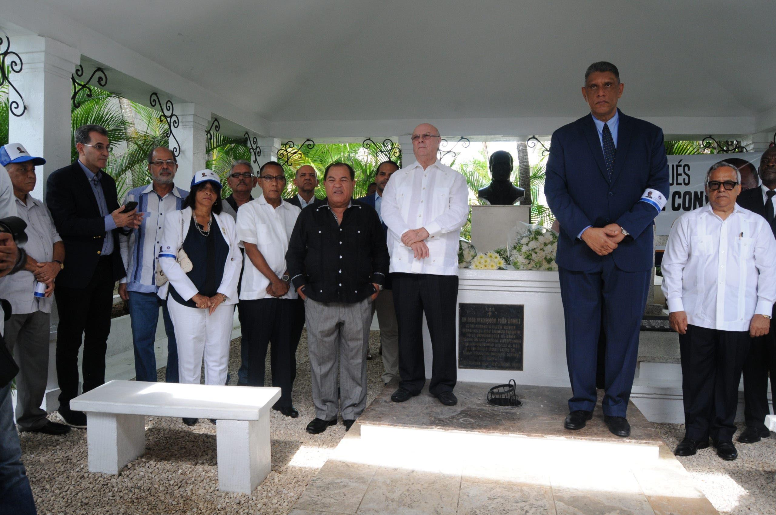 Hipólito Mejía encabezará actos por 23 aniversario fallecimiento de José Francisco Peña Gómez