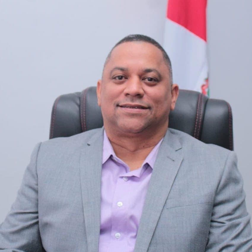 Alzas, impuestos y resiliencia dominicana