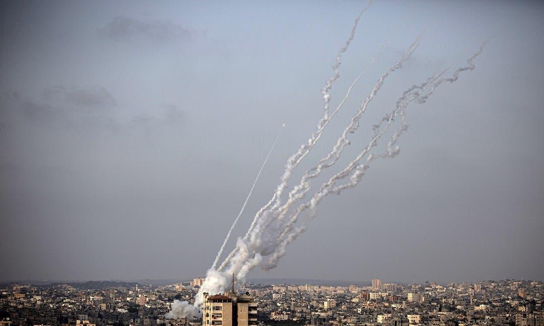 9 muertos tras explosión en Gaza; Hamas lanza cohetes