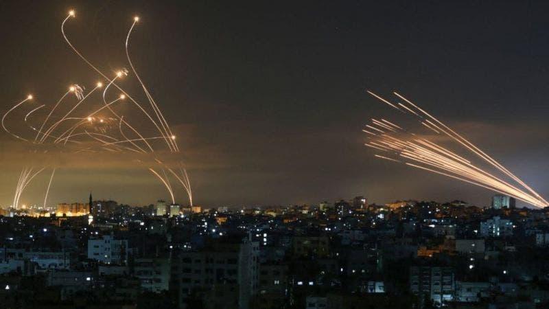 Israel lanza ofensiva por aire y con artillería contra Gaza