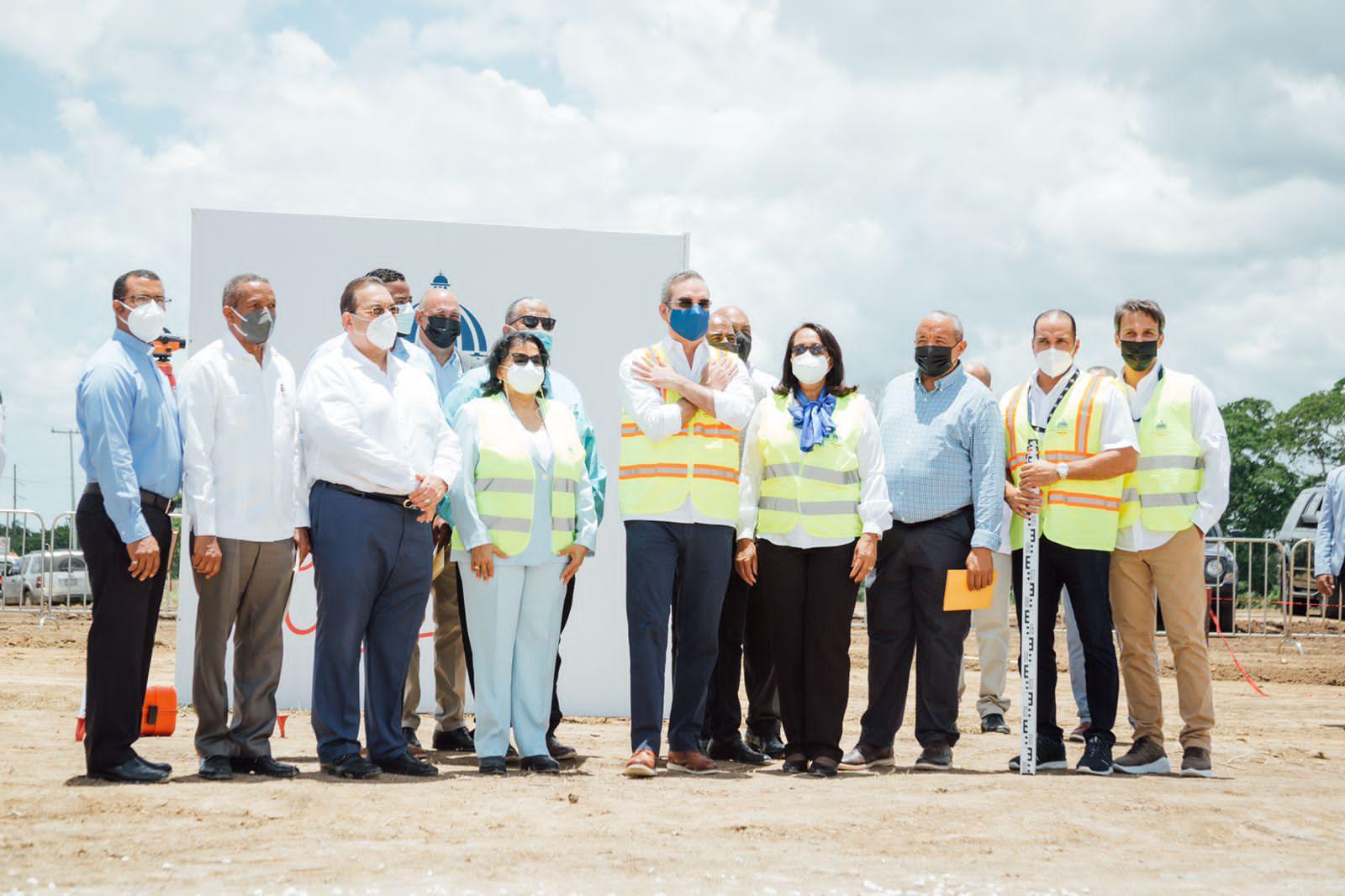Reinician construcción de Centro Universitario Regional UASD en Hato Mayor