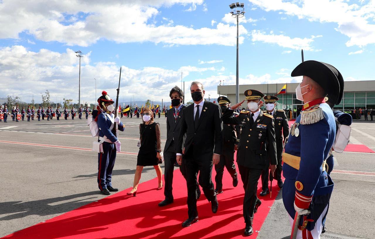 Presidente Abinader llegará al país esta noche desde Ecuador