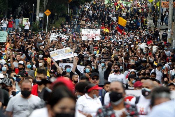 Latinoamérica pide recuperación económica en un Día del Trabajo restringido