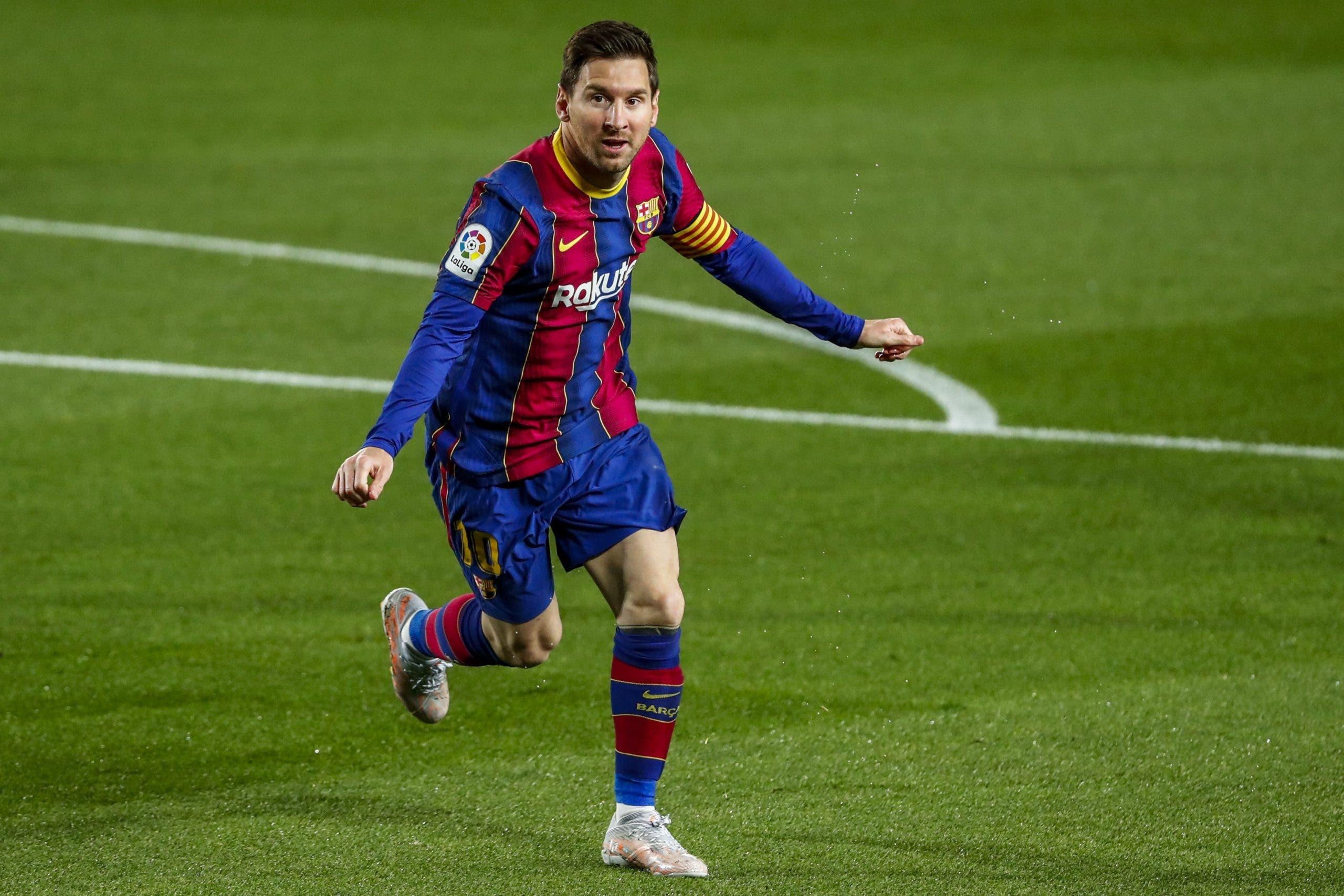 Messi llega y queda confinado en predio de Argentina