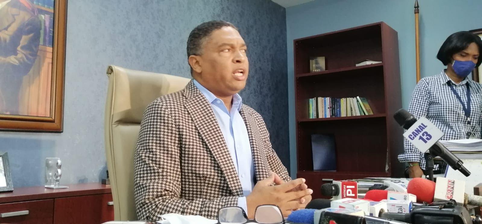 Senadores PLD piden aclarar atentado contra Yeni Berenice y el AILA