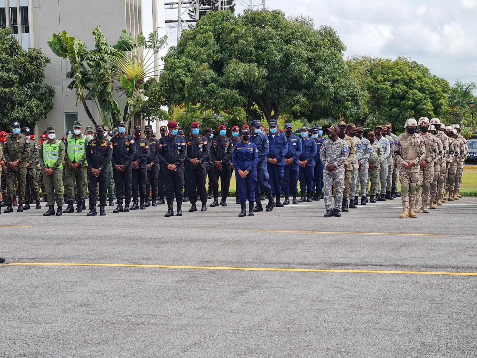 Presidente Abinader anuncia mejora salarial a militares a partir este año