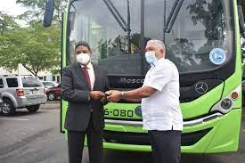OMSA entrega un autobús al COE para las emergencias