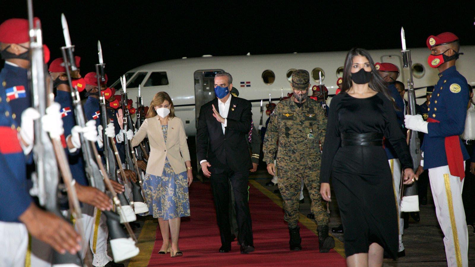 Presidente regresó al país procedente de Ecuador