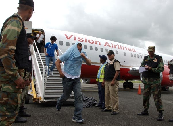 Repatrían desde Puerto Rico a 13 inmigrantes dominicanos