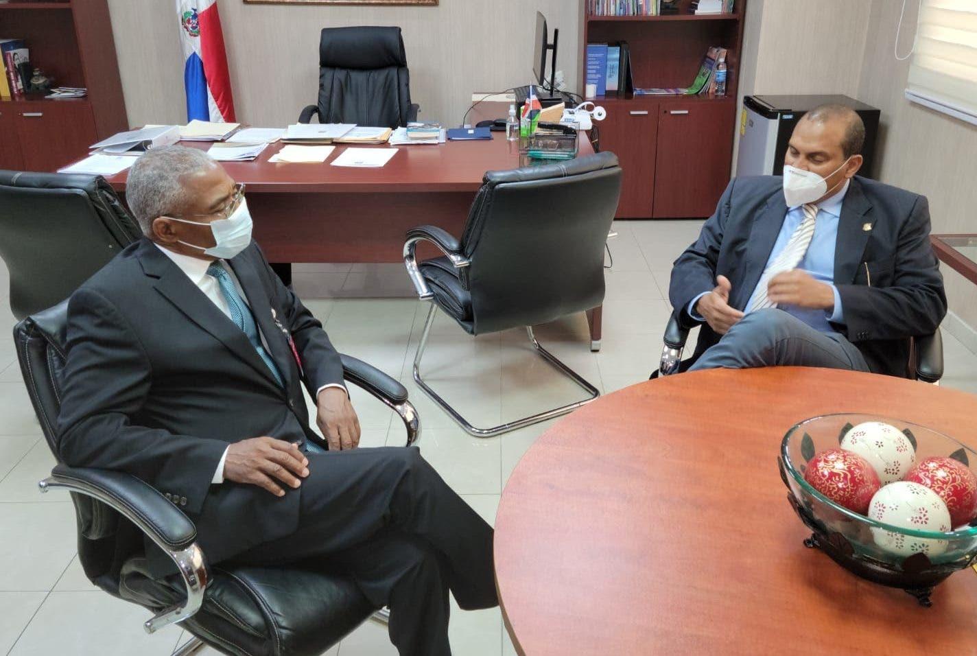 Senador haitiano sugiere mecanismos pacíficos para resolver el conflicto por desvío río El Masacre