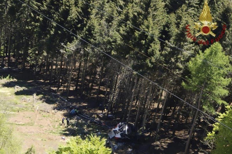 Tres detenidos por fatal accidente de teleférico en Italia