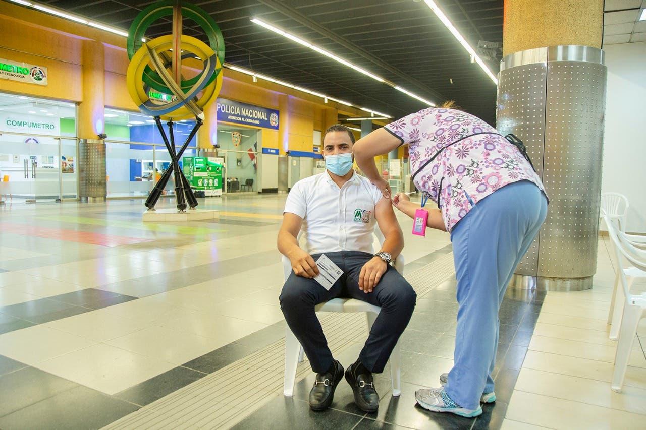 Vacunarán  a usuarios del Metro contra el Covid-19