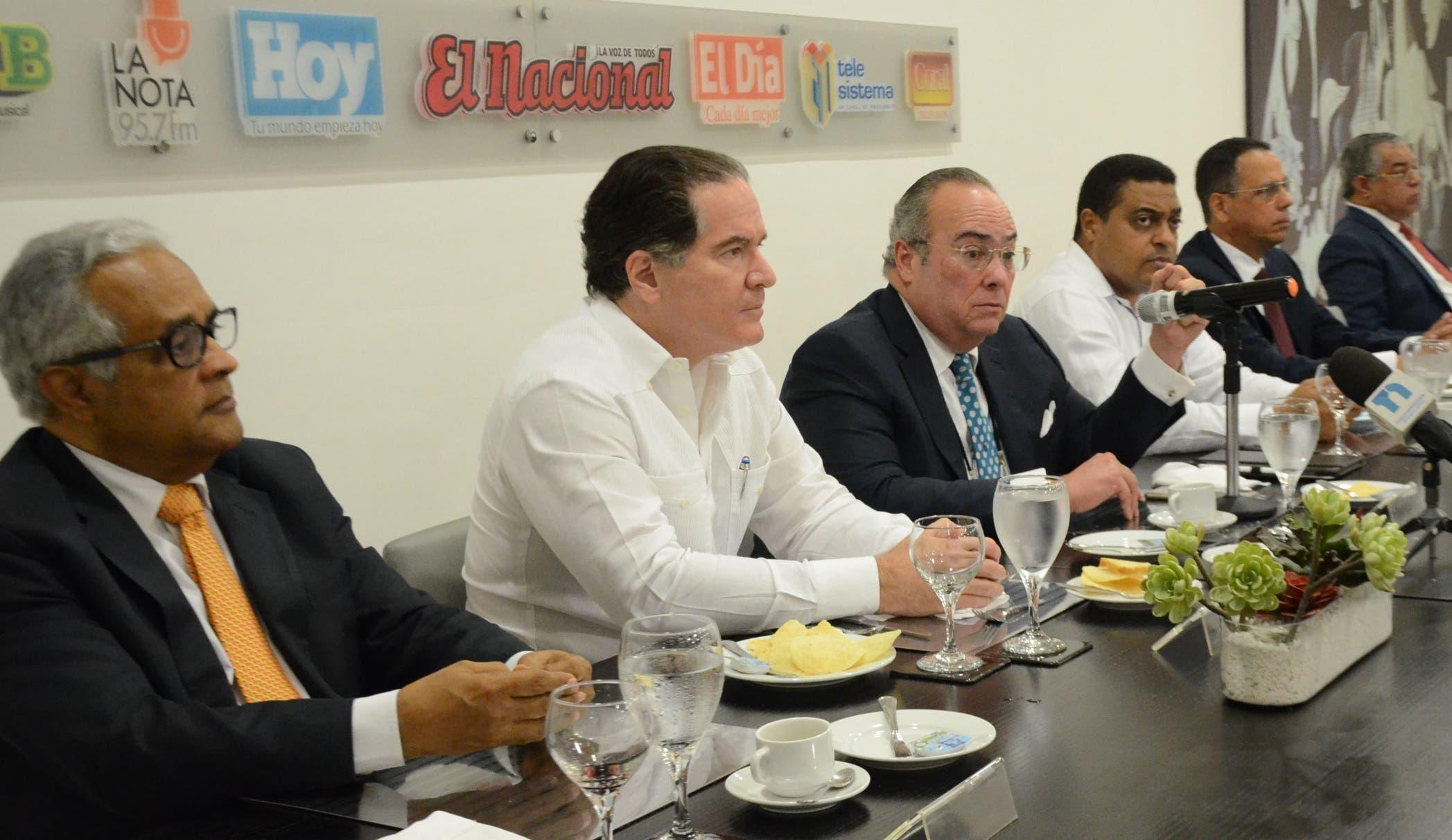 PLD plantea reforma fiscal es necesaria y requiere discusión
