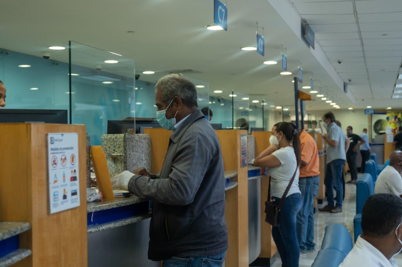 Los débitos bancos son contractuales, aclaran la SIB y bancos múltiples