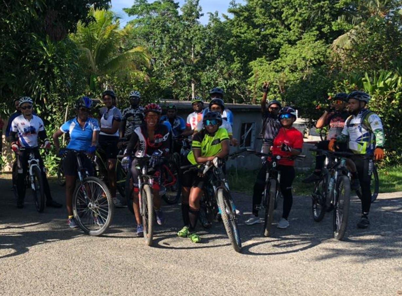 Ciclistas denuncian que  delincuentes los azotan