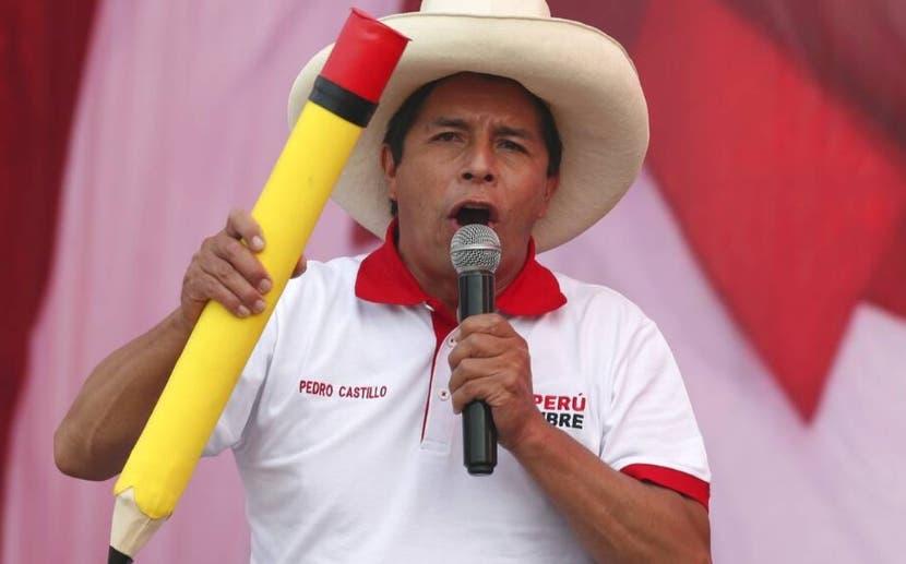 El 66 % de peruanos afirma que Pedro Castillo ganó las elecciones en Perú