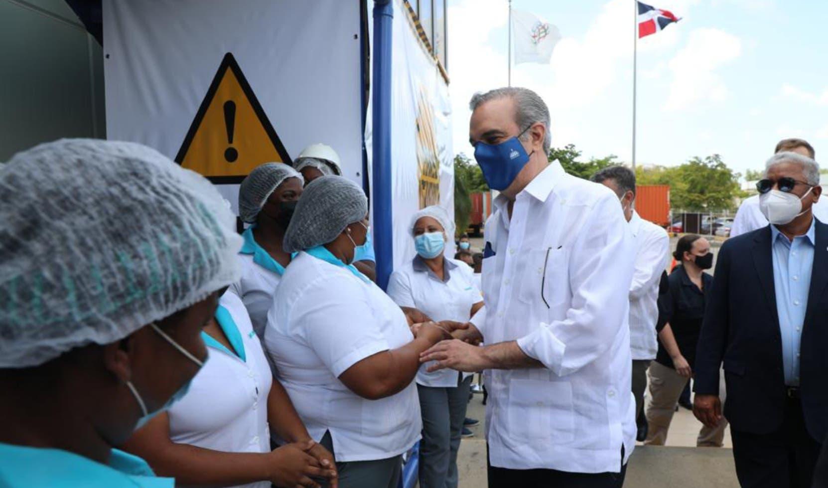 Luis Abinader gestiona aumentar producción  papa en San Juan