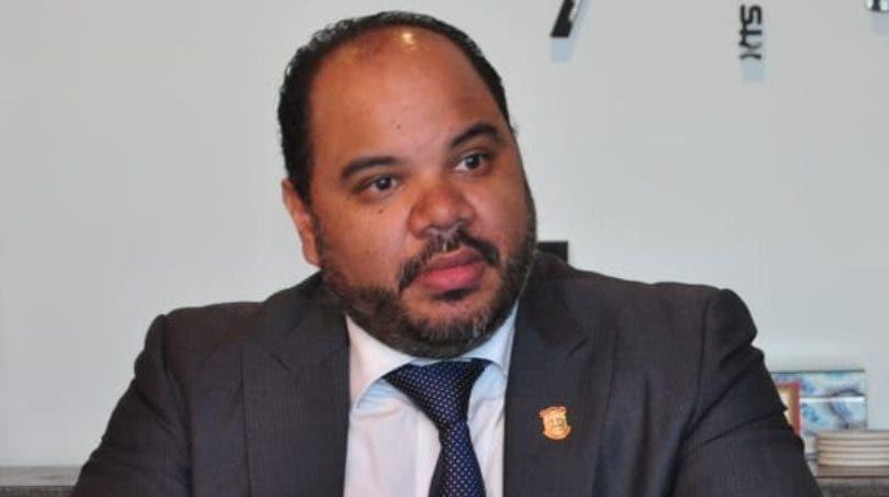 Pablo Ulloa se compromete a legitimar Defensor del Pueblo