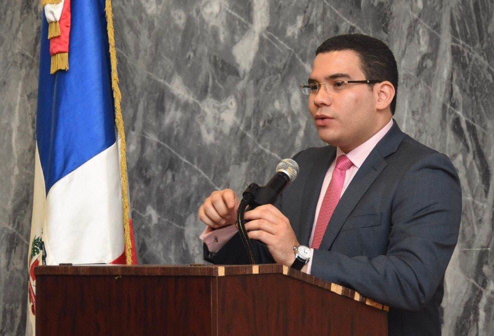 Comisión Derechos Humanos apoya a Omar Ramos a presidente TSE